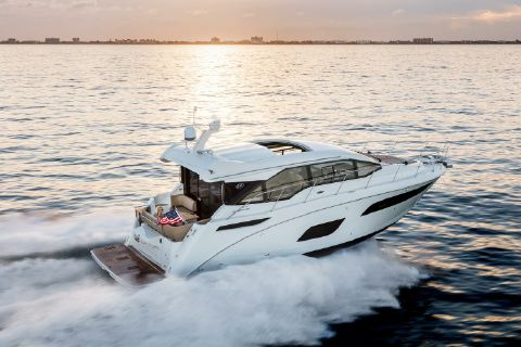 2018 Sea Ray 460 Sundancer