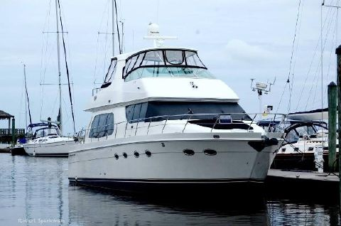 2006 Carver 56 Voyager Bow To