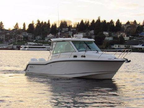 2016 Boston Whaler 315 Conquest Pilothouse