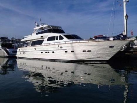 2001 Horizon 82 Motor Yacht