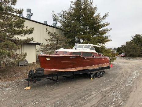 1949 Chris-Craft Express Cruiser 34