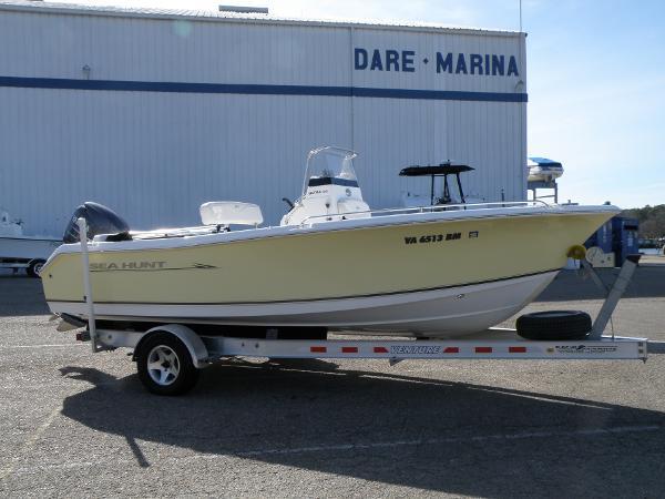 2008 Sea Hunt Ultra 196