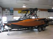 2015 Axis Wake Research T22