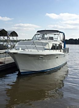 1989 Chris-Craft 381 Catalina Double-Cabin
