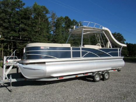 2015 Sweetwater 240 SD