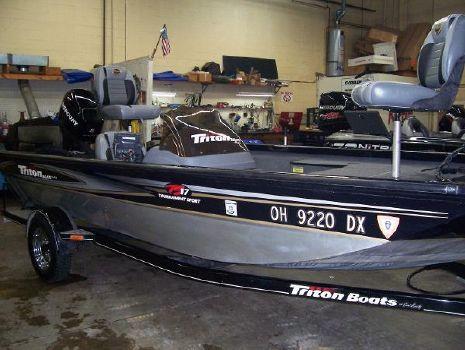 2006 Triton TS17