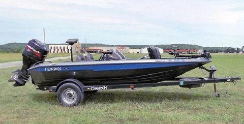 1998 Champion Boats 171