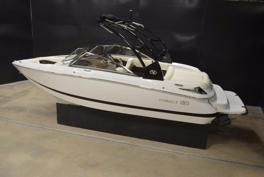 2015 Cobalt 210 Bowrider 270 HP