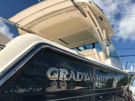 2017 Grady-White Express 330