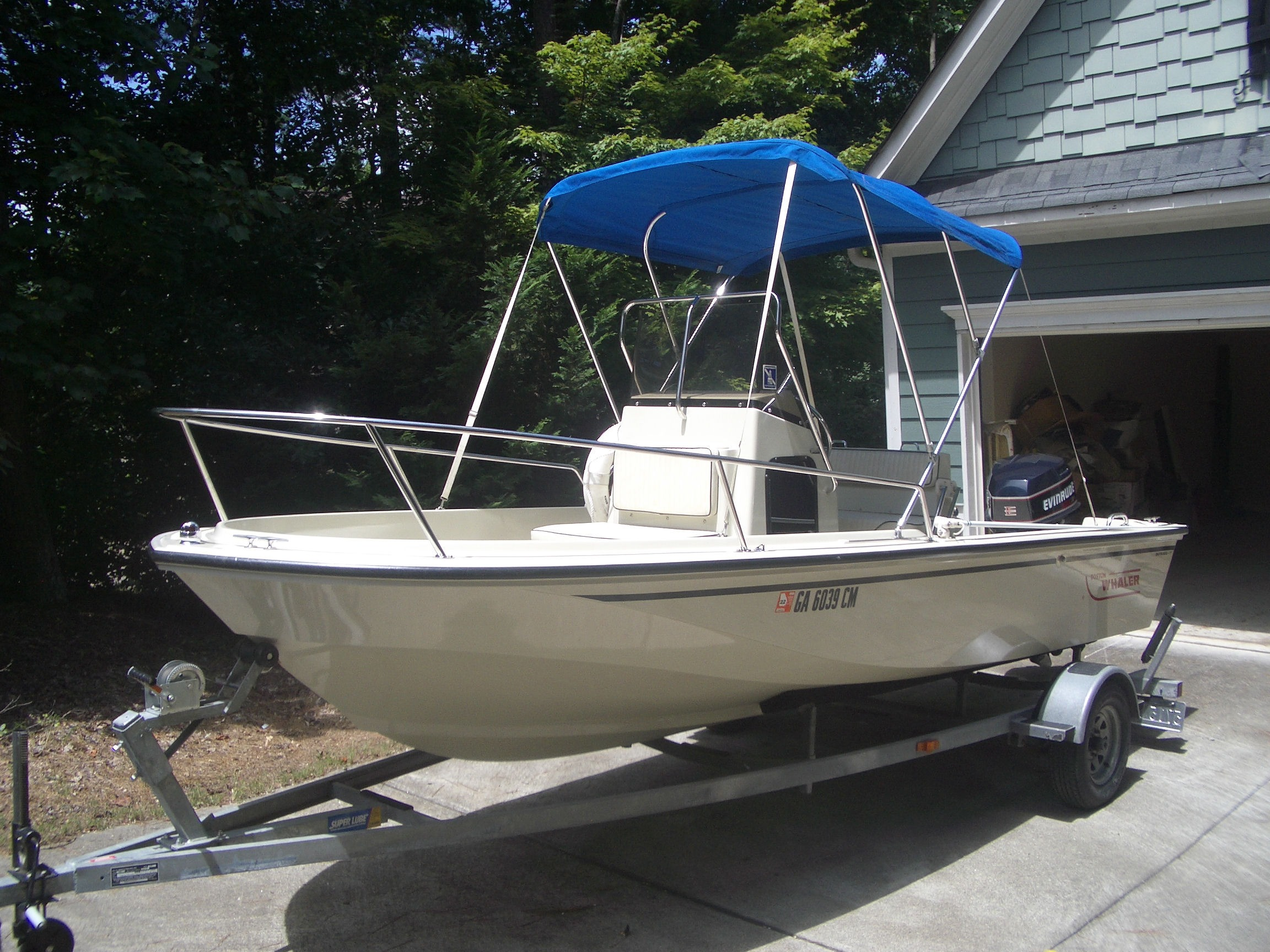 Check out this 1993 Boston Whaler Outrage 17 on Boattrader com