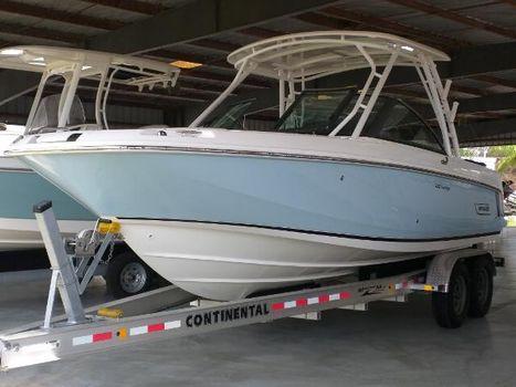 2018 Boston Whaler 230 Vantage