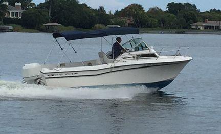 1985 Grady-White 225 Seafarer