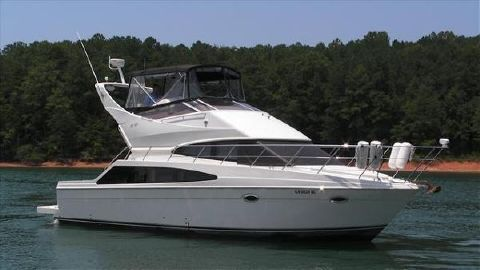 2005 CARVER YACHTS 38 SS