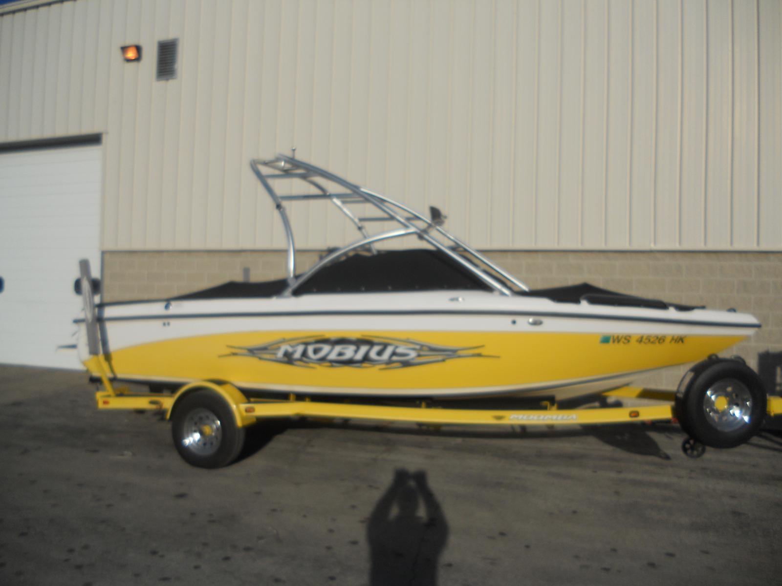 2007 Moomba Ski Wakeboarding Tow Boat Mobius LSV