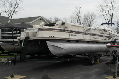 2001 Fisher Boats 240 DLX Fish