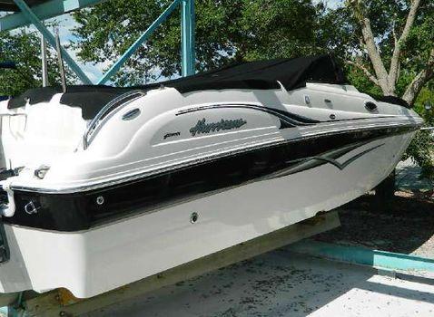 2007 HURRICANE BOATS SunDeck 260 OB-S