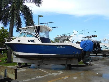 2008 Edgewater 265 Express Port Side Aft