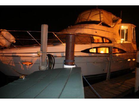2001 Carver 396 Aft Cabin Motoryacht