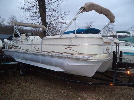 2005 G3 Boats LX 25 C Tri-Toon