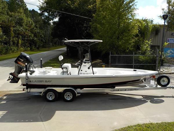 2017 Blazer Boats BAY 2420 PRO
