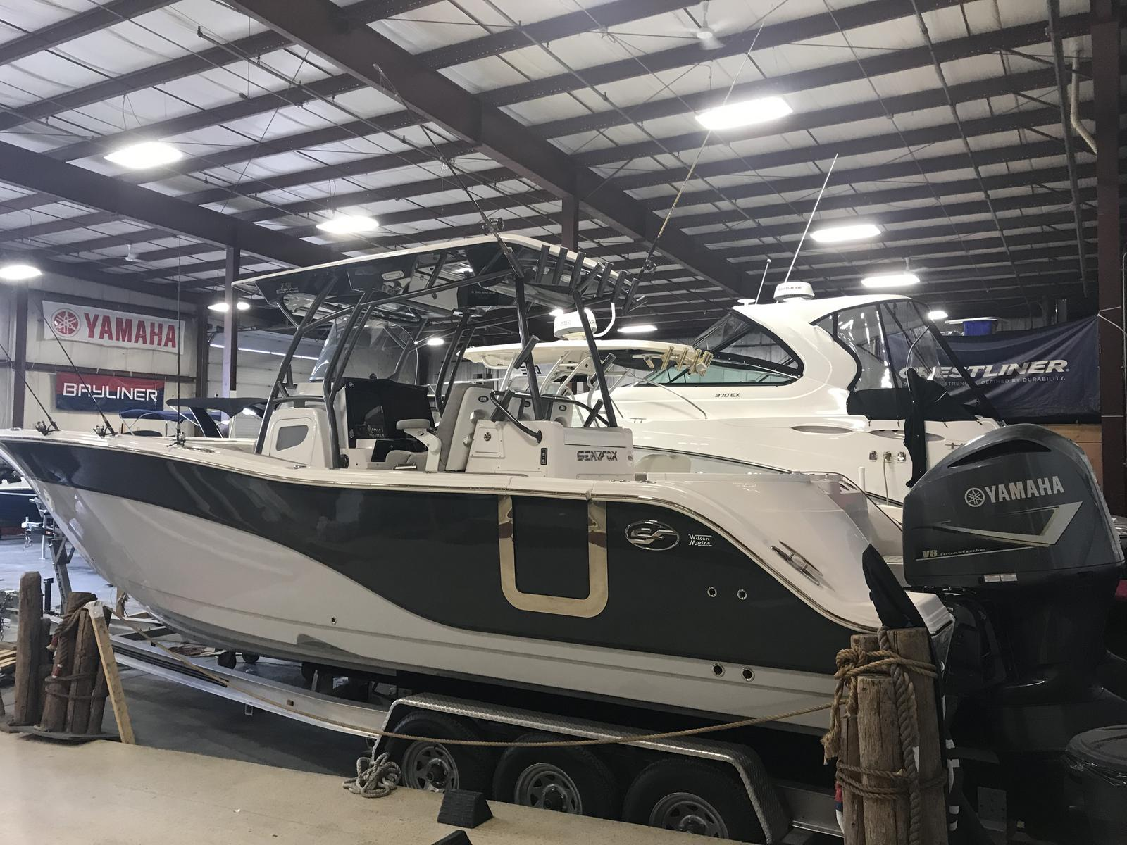 2018 Sea Fox 328 Commander
