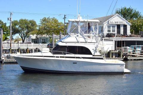 1989 Bertram 33 Cruiser Port Side