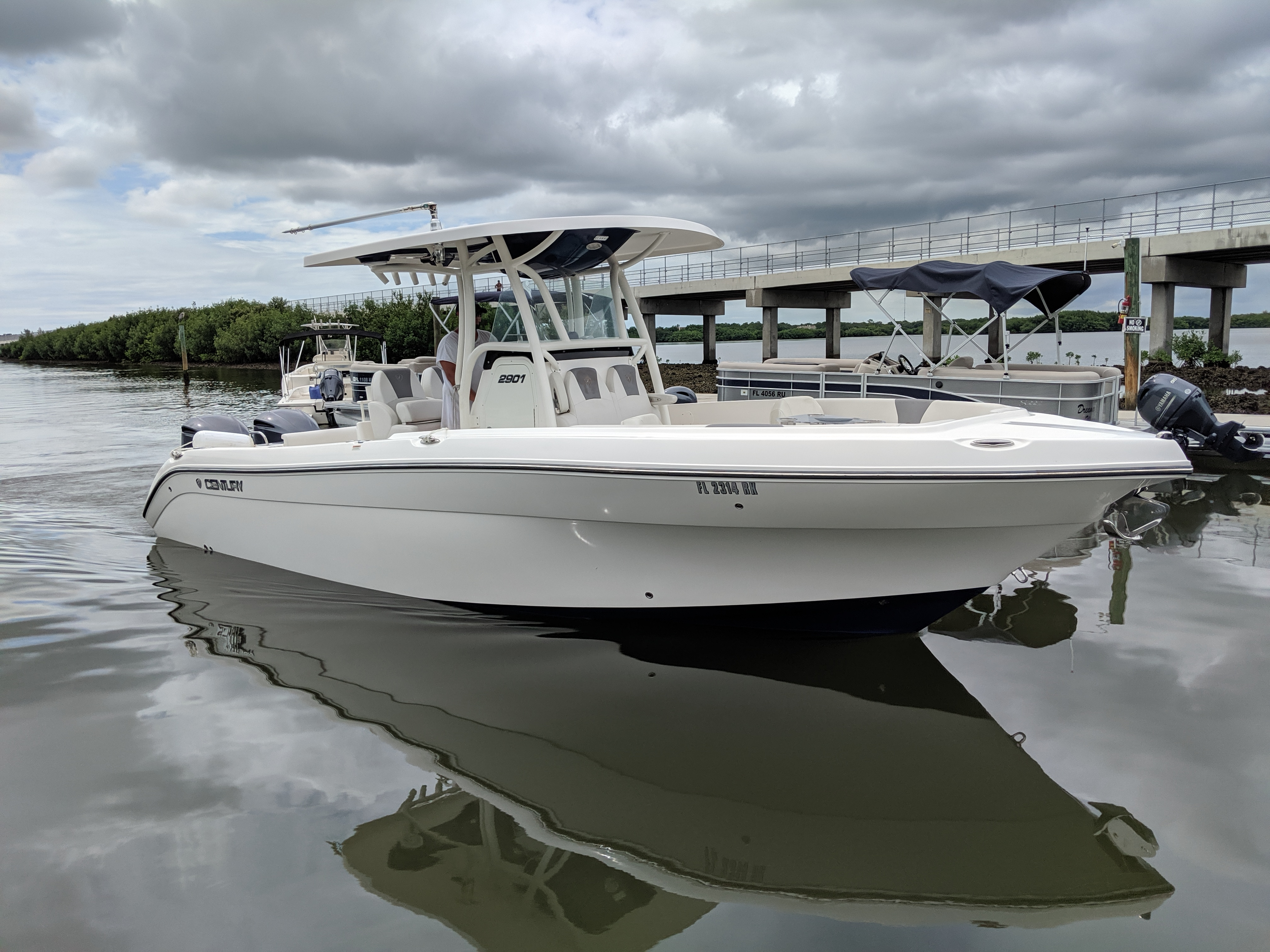 Check Out This 2017 Century 2901 Cc On Boattrader Com