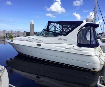 1997 Cruisers Yachts 3075 Rogue Glorianna