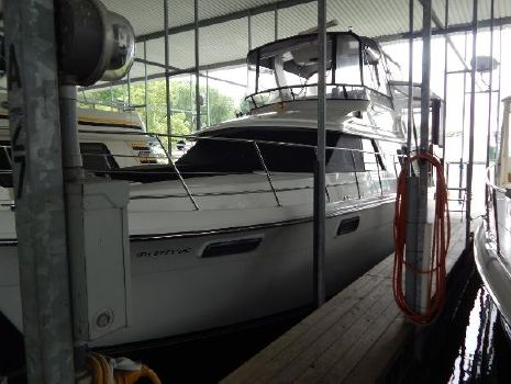 1988 Carver 42 Cockpit Motor Yacht