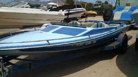 1977 Apache Powerboats Witchcraft 17