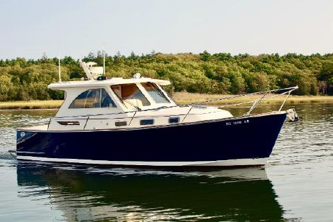 2006 Legacy Hardtop Express starboard profile