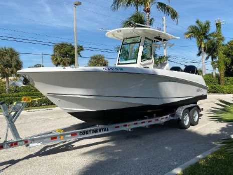 2011 BOSTON WHALER Outrage 280