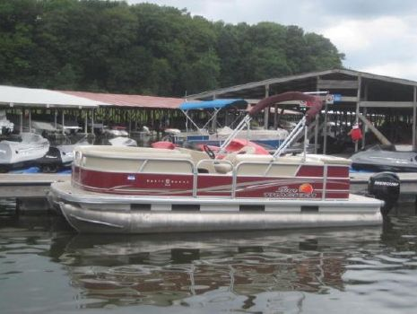 2012 Sun Tracker Party Barge 20 DLX