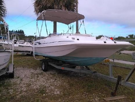 2000 Hurricane 201 FUNDECK