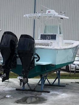 1999 REGULATOR 26 Center Console