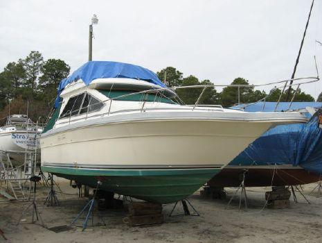 1988 Sea Ray Flybridge Sedan 305
