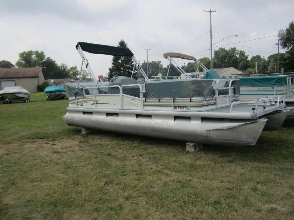 Riviera Cruiser Boat Listings