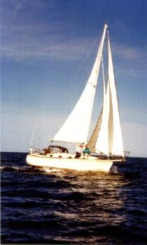 1988 Island Packet 31 Cruising