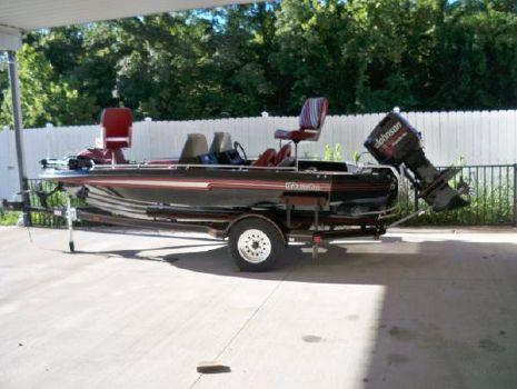 1992 Champion Boats 176 Fish & Ski