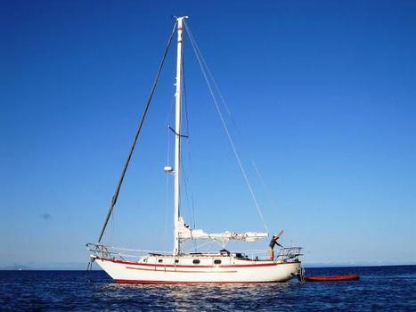 1983 Pacific Seacraft Crealock 37