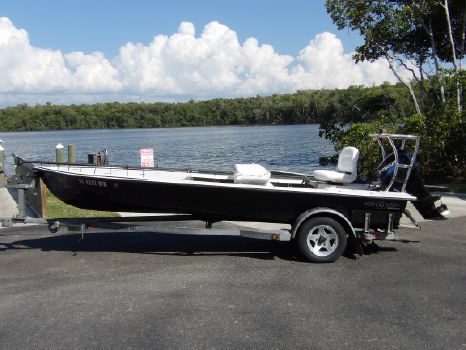 2005 Hell's Bay Boatworks Waterman