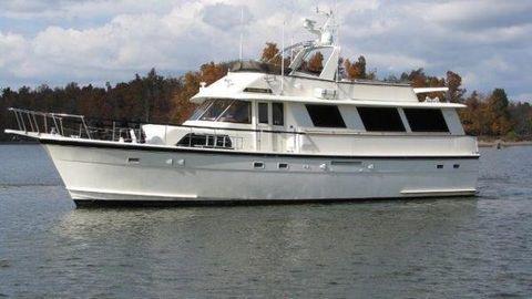 1982 Hatteras 61 Motor Yacht Wide Body