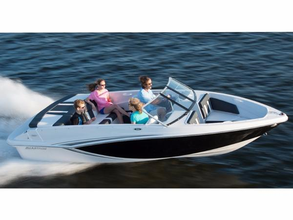 Car Rentals In Muskegon Mi ... 185   18 foot 2015 Glastron Gt Motor Boat in Muskegon MI   4479668180