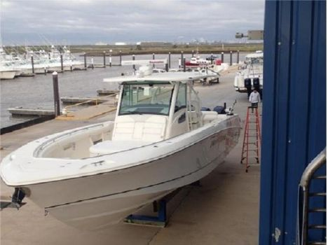 2012 Boston Whaler 370 Outrage indoor kept low hr