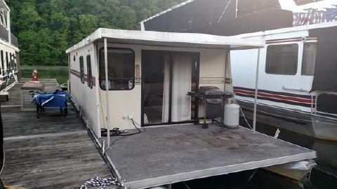 1987 Playbuoy 12 x 40 Houseboat Taurus