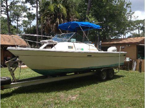 1977 Slickcraft Cuddy Fish 236