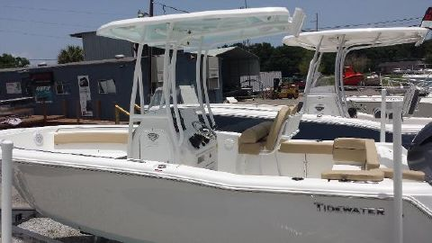 2015 Tidewater Boats 220 LXF