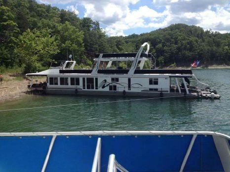 2000 Horizon Houseboat