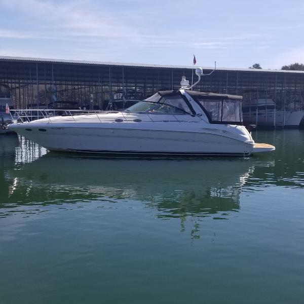 2001 Sea Ray 410 Express Cruiser