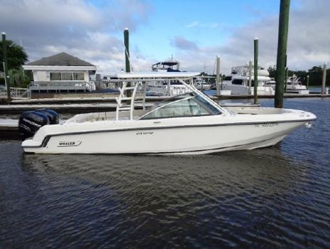 2016 Boston Whaler 27 VANTAGE DUAL CONSOLE Exterior profile at dock